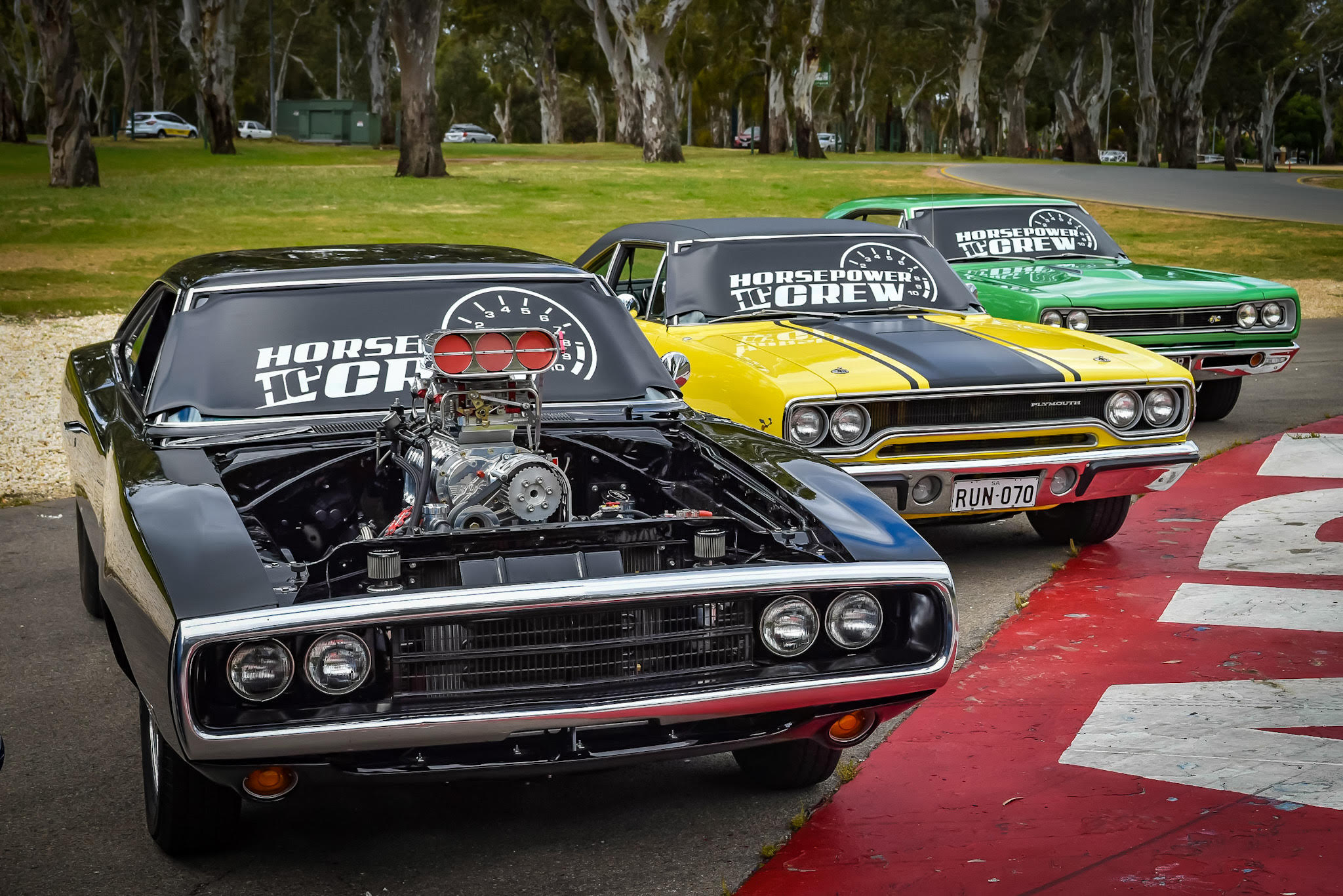 windscreen-cover-rev-gauge-classic-size-black-and-white-Charger-superbee-roadrunner-Copy