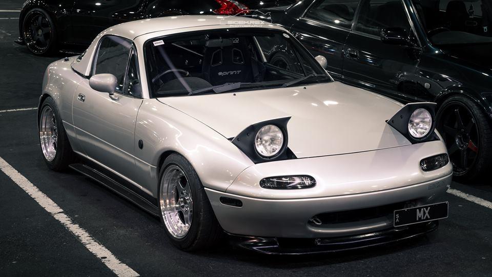 White Mx5