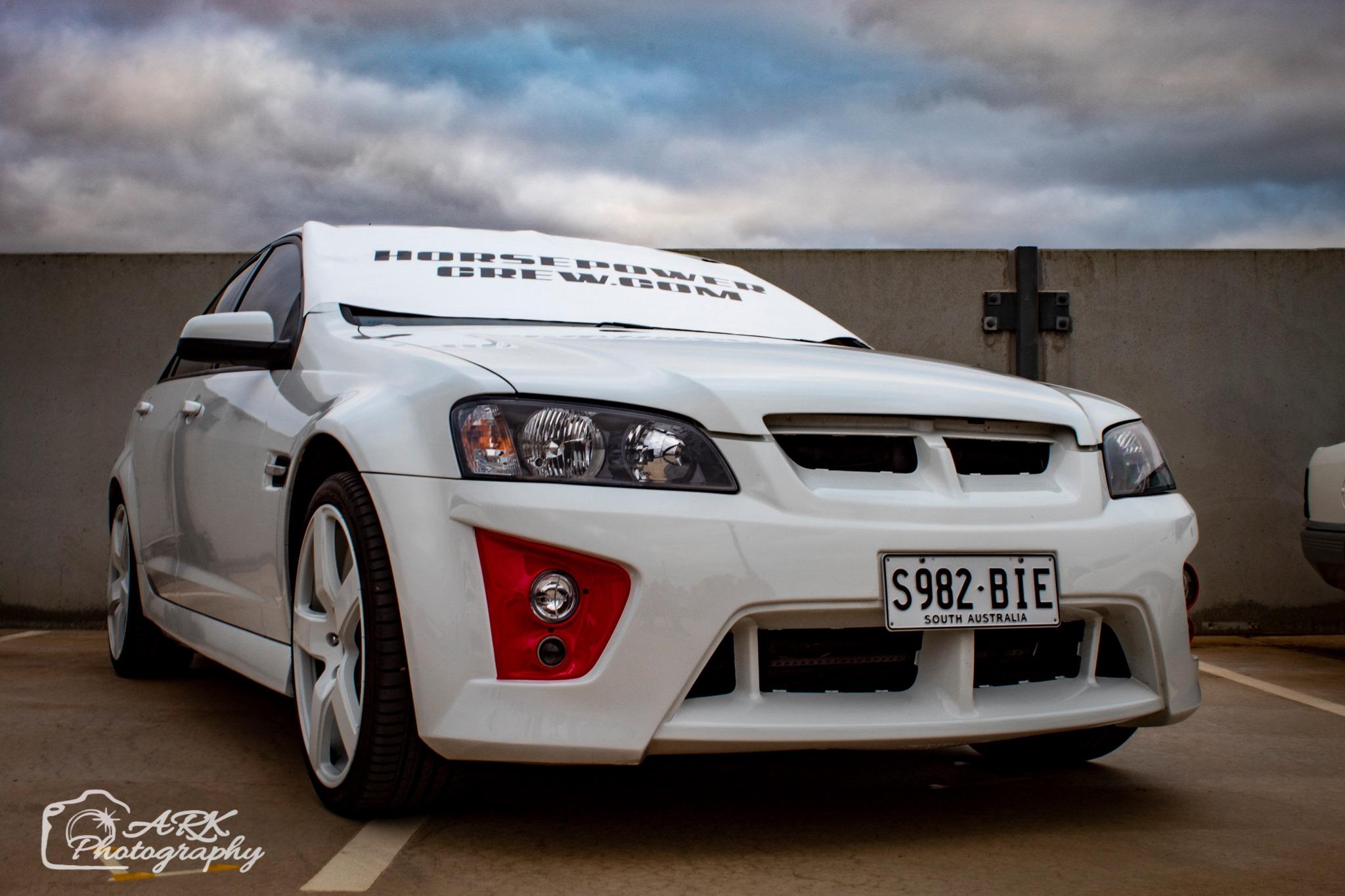 windscreen-cover-dot-com-Modern-size-white-and-Black-Holden
