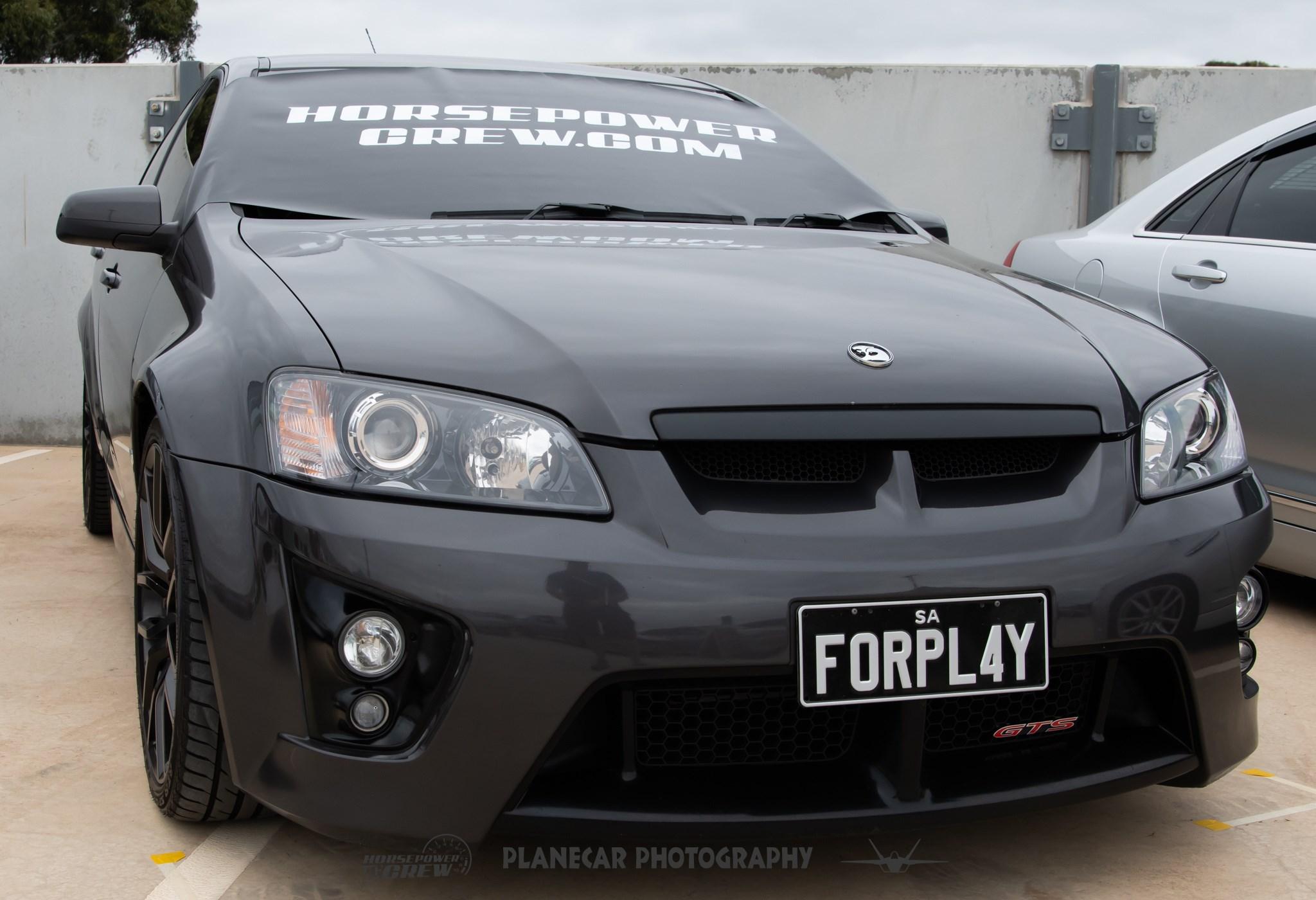windscreen-cover-dot-com-Modern-size-white-on-Black-Holden