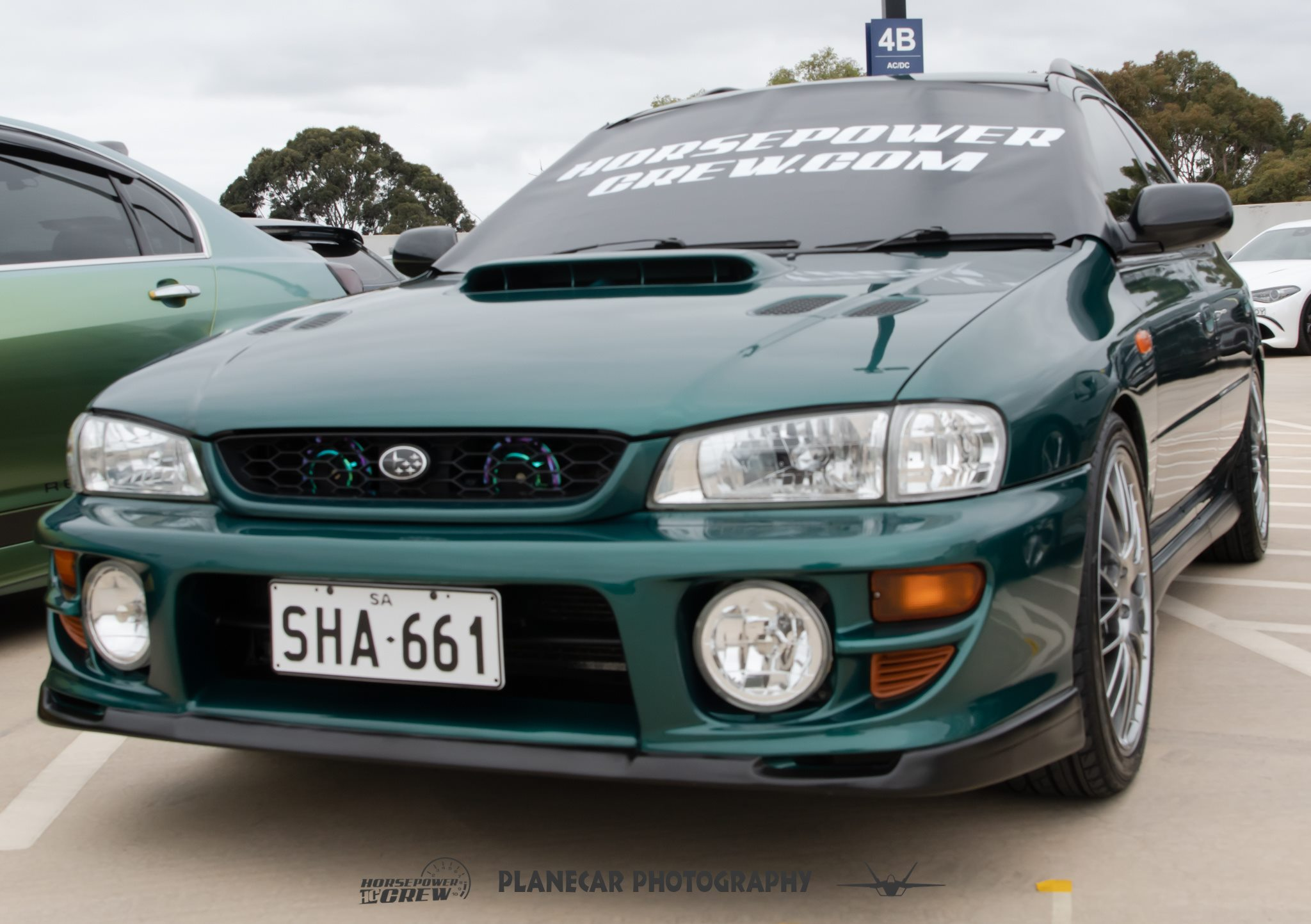 windscreen-cover-dot-com-modern-size-black-with-white-writing-green-WRX