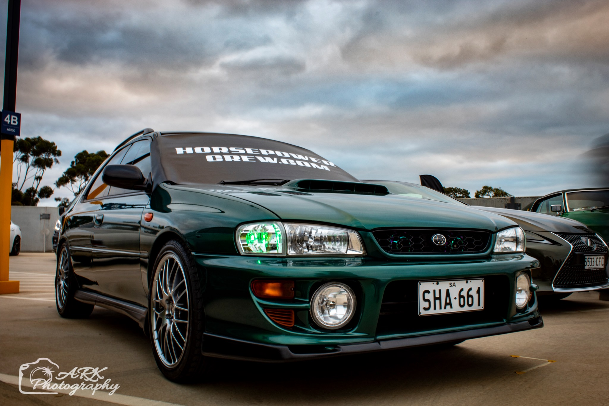 windscreen-cover-dot-com-modern-size-black-with-white-writing-green-WRX3