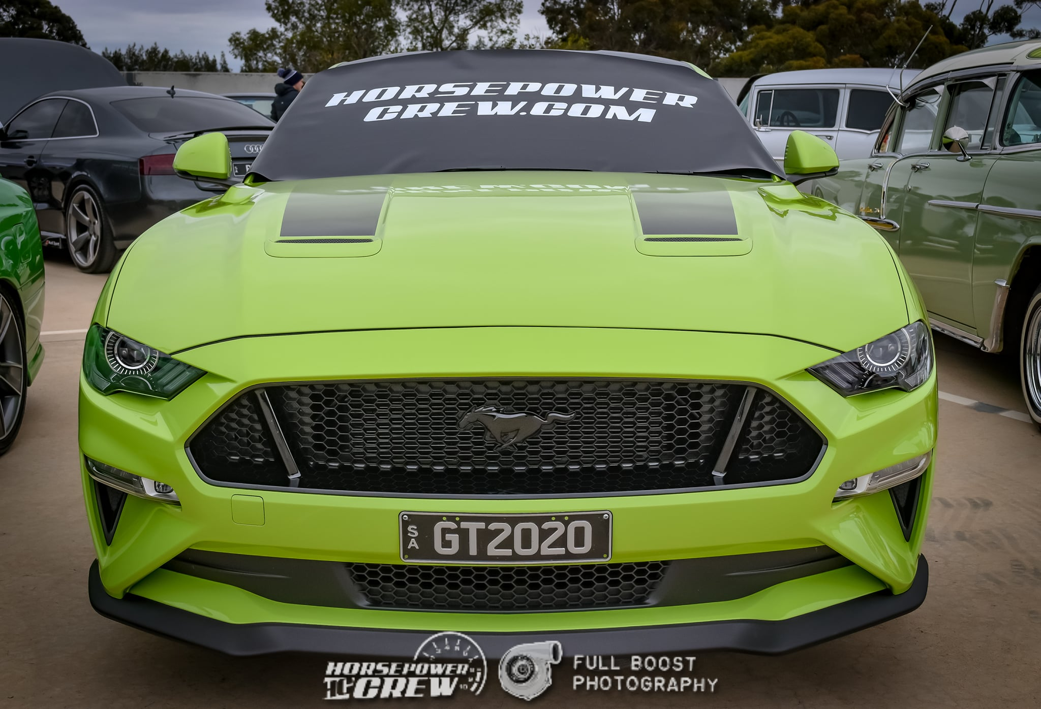 windscreen-cover-dot-com-modern-size-black-with-white-writing-green-mustang