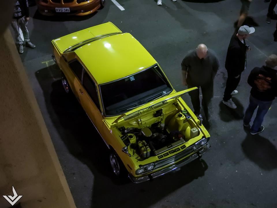 Yellow 1600